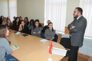 Naufal Khamdani gave lecture on history of the Maghreb for students of ZNU