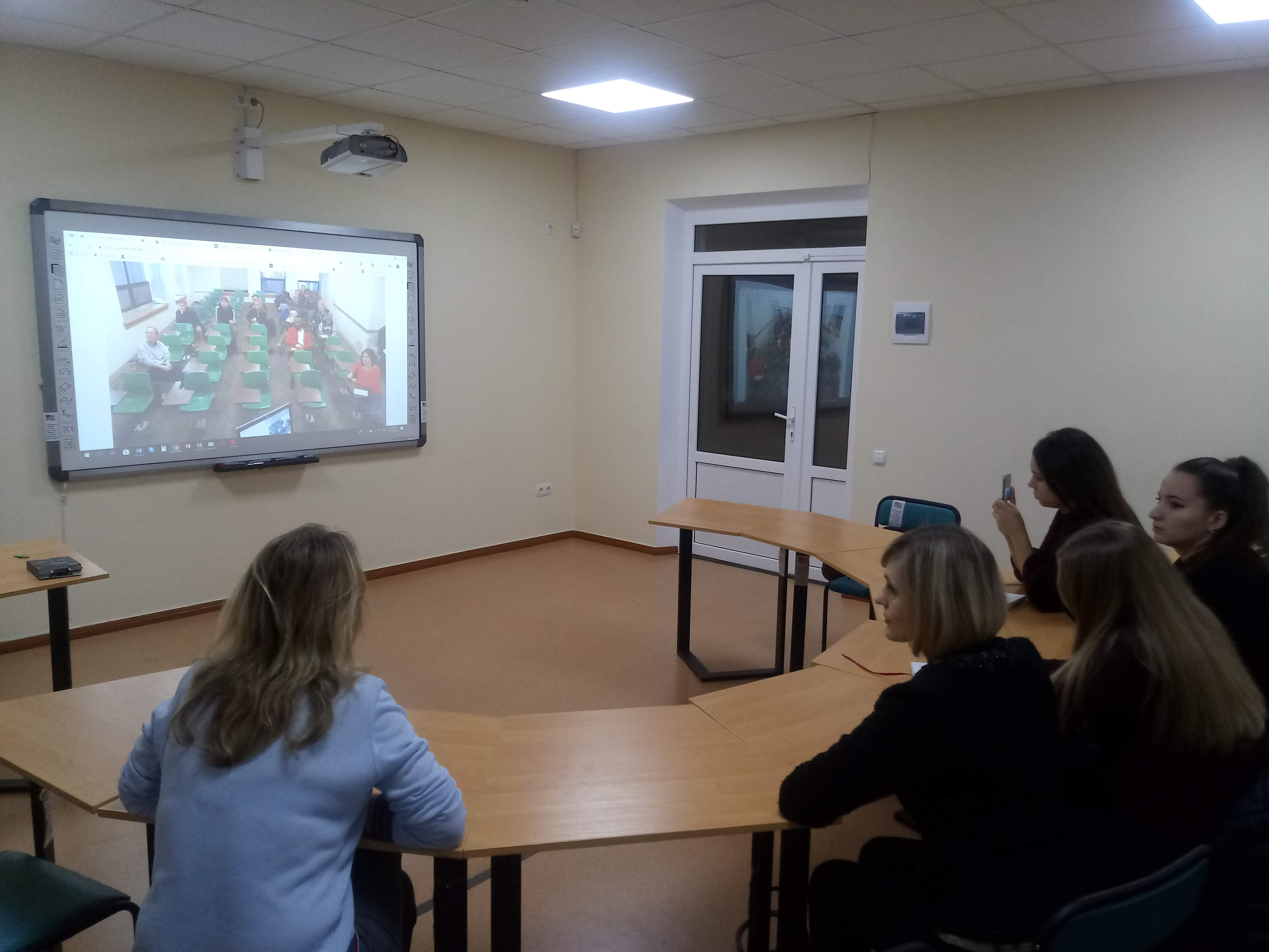 Ukrainian-American webinars continue on the Faculty of Journalism of