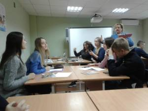 A contest of English presentations was held on the Faculty of Management
